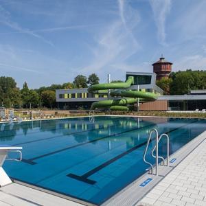 Parkplatz am Schwimmbad in WF !!!